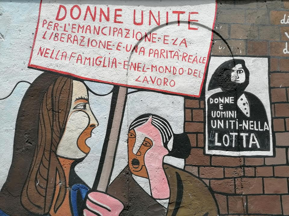 escursione a orgosolo: murale dedicato alla parità di genere
