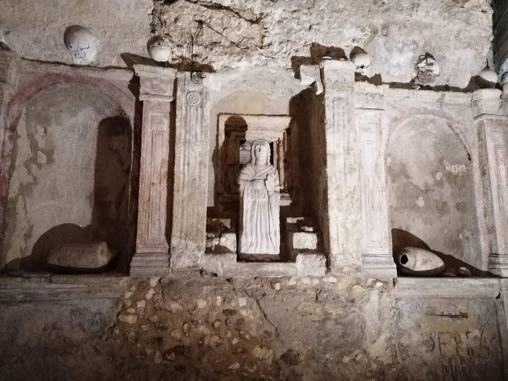 grotte, gallerie e rifugi sotterranei